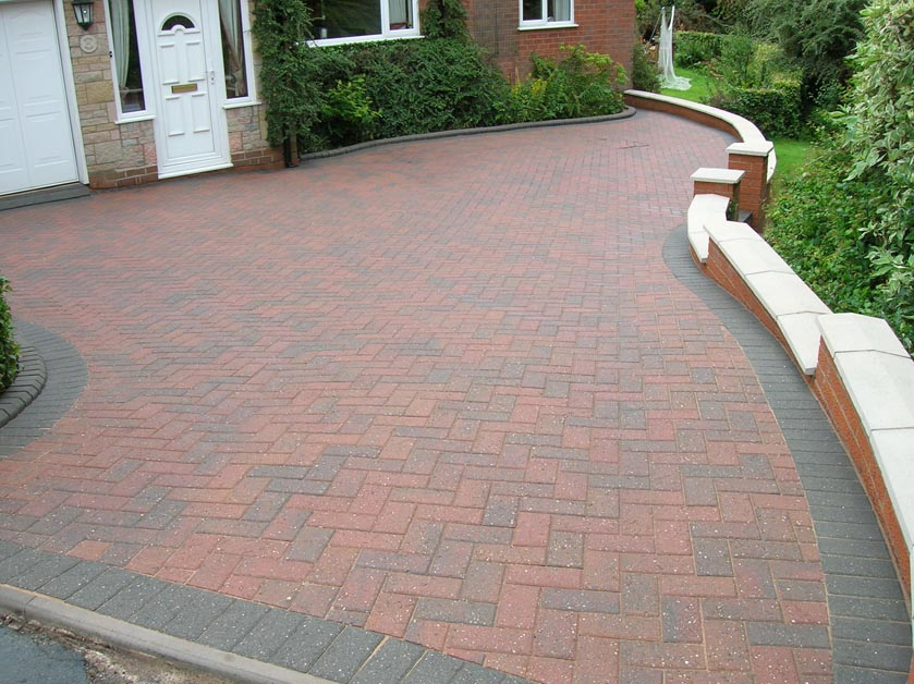 Cleaning and Restoring Block Paving driveways